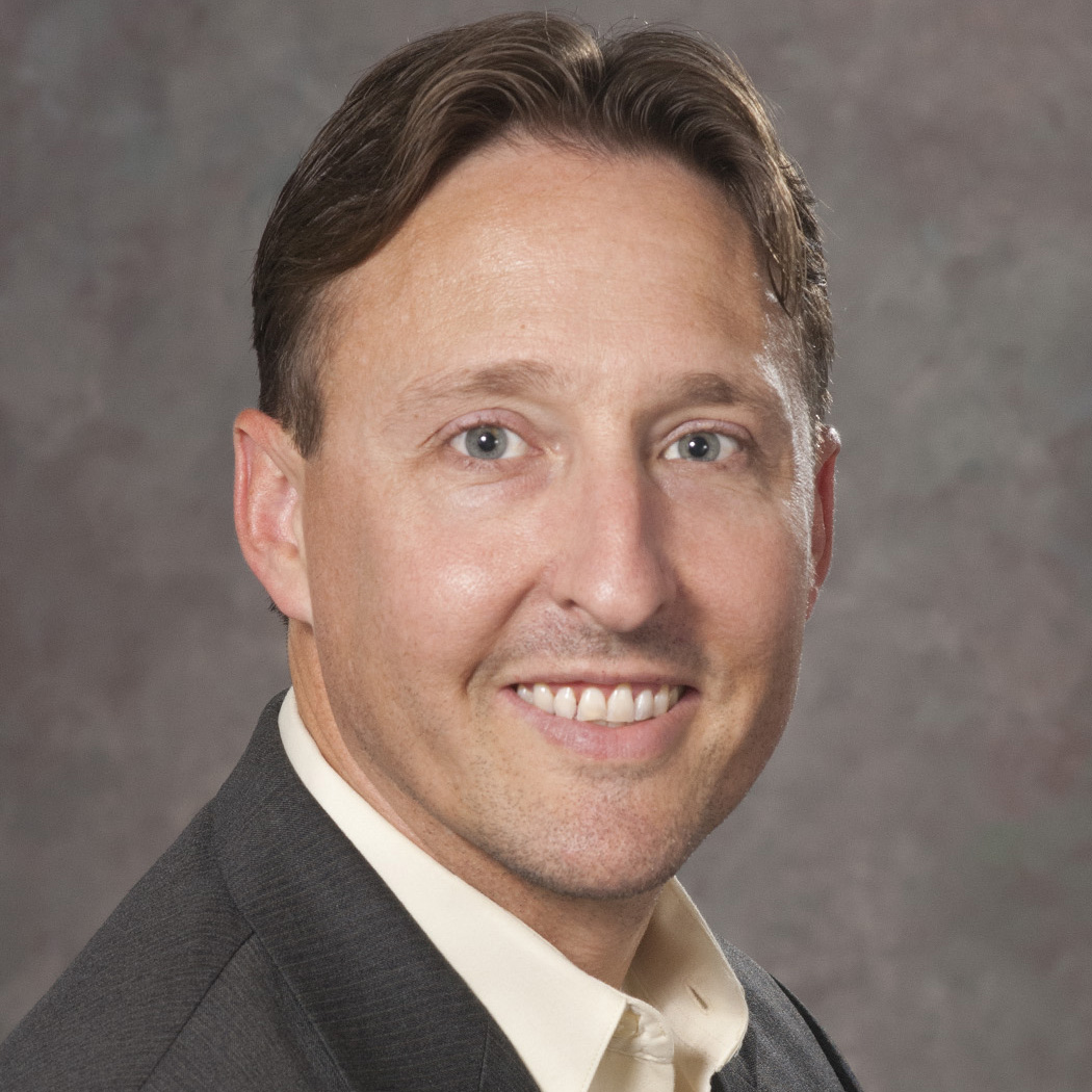portrait photo of travis lindsey